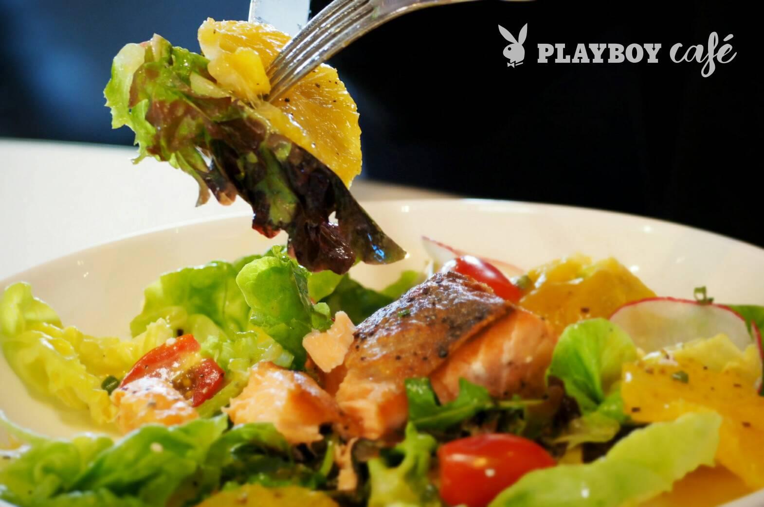 """Grilled Sallmon Salad"" สลัดปลาแซลมอนสด"