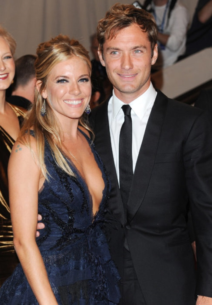 Actors Jude Law and Sienna Miller arrive at the Metropolitan Museum of Art Costume Institute gala, Monday, May 3, 2010 in New York. (AP Photo/Evan Agostini)