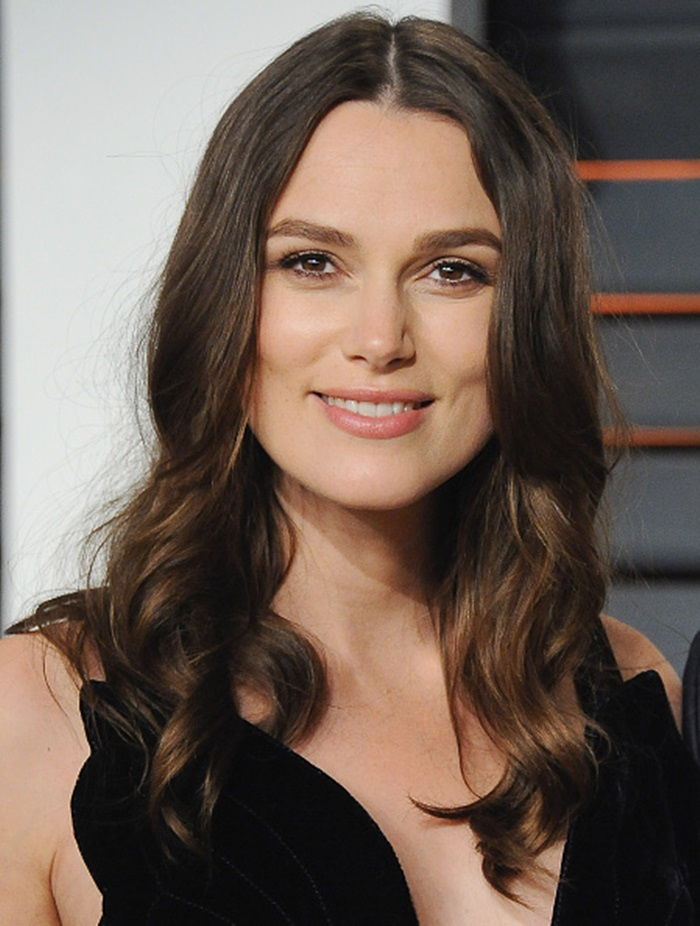 BEVERLY HILLS, CA - FEBRUARY 22: Actress Keira Knightley arrives at the 2015 Vanity Fair Oscar Party Hosted By Graydon Carter at Wallis Annenberg Center for the Performing Arts on February 22, 2015 in Beverly Hills, California. (Photo by Jon Kopaloff/FilmMagic)
