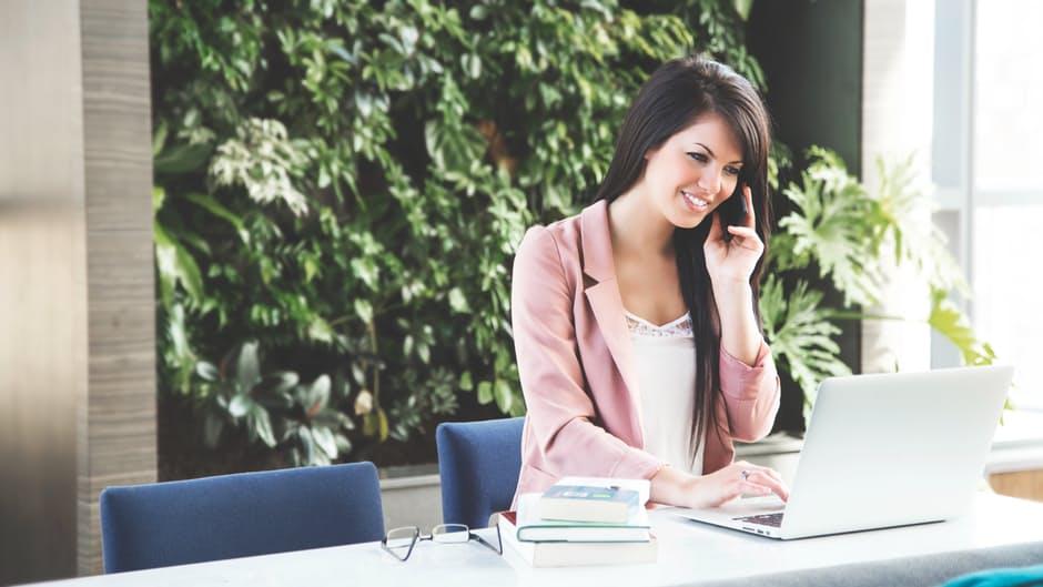 การคุยโทรศัพท์ บทสนทนา เรียนภาษาอังกฤษ