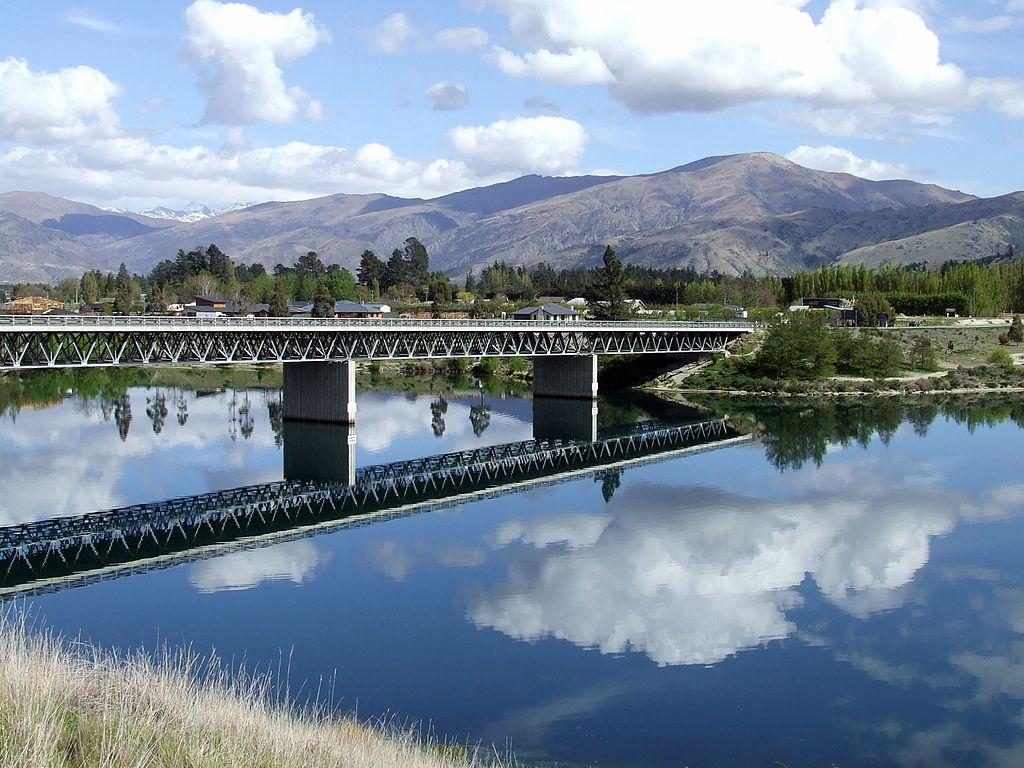 Lake Dunstan : Image : Wikipedia