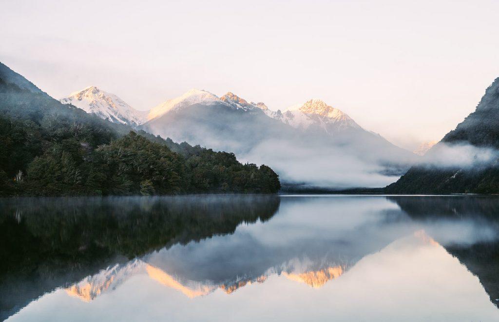 ทะเลสาบกันน์ (Lake Gunn)