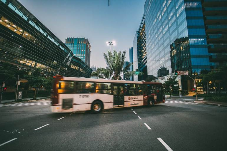 รถบัส รถยนต์ รถแท็กซี่ รถโดยสารประจำทาง รถโดยสารสารสาธารณะ