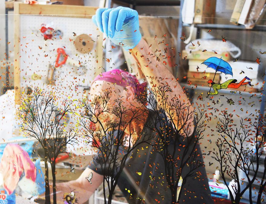 ผลงานสุดสร้างสรรค์ เมื่อเหล่าศิลปินวาดภาพลงไปบนกระจก