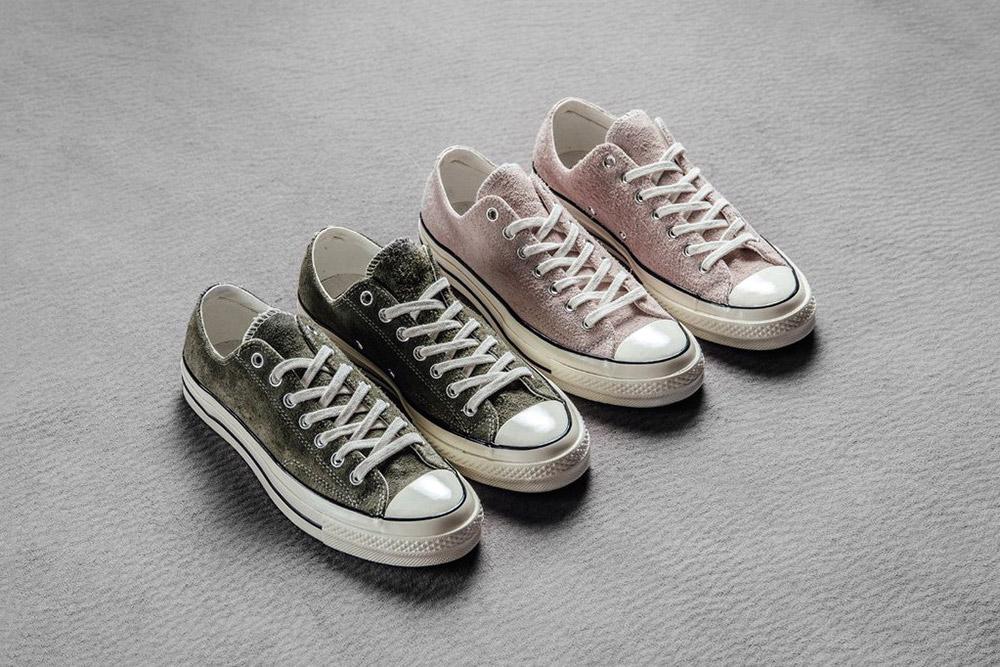รองเท้าคอนเวิร์สหนังนิ่ม สีชมพู (Dusty Pink) และเขียวมะกอก (Olive)