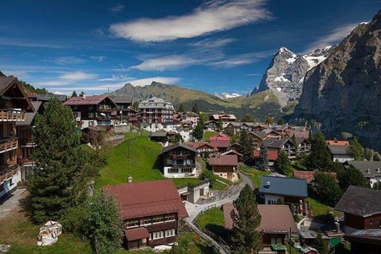 ประเทศสวิตเซอร์แลนด์ สถานที่ท่องเที่ยว เมือร์เริน