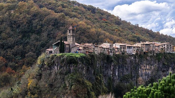 ประเทศสเปน สถานที่ท่องเที่ยว หมู่บ้านติดหน้าผา