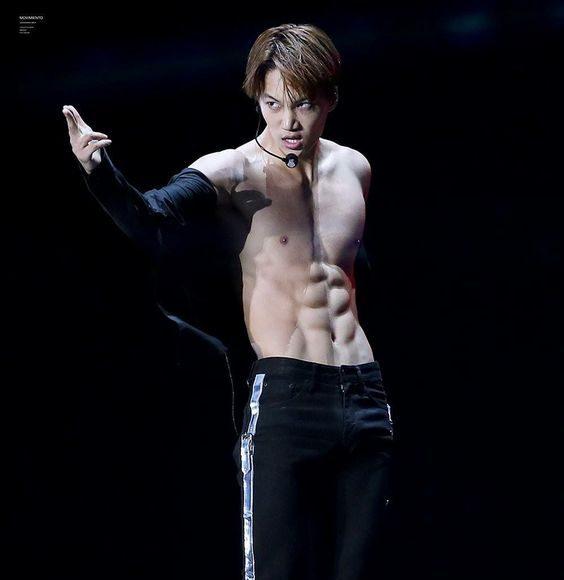คิมจงอิน (kim Jong In) EXO