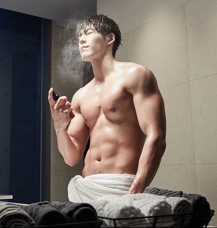 คิมอูบิน (Kim Woo Bin)