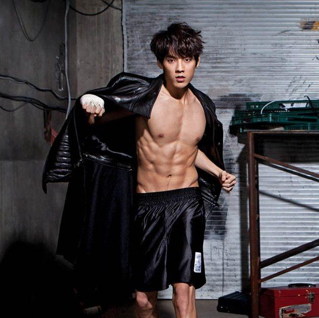 อีมินฮยอก (Lee Min Hyuk)