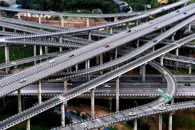 ทางยกระดับที่ซับซ้อนที่สุด ประเทศจีน รถติด