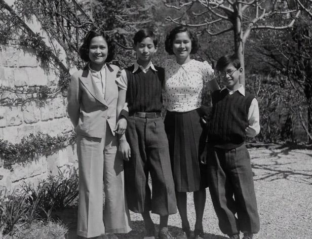 ครอบครัวราชสกุลมหิดลทั้ง 4 พระองค์