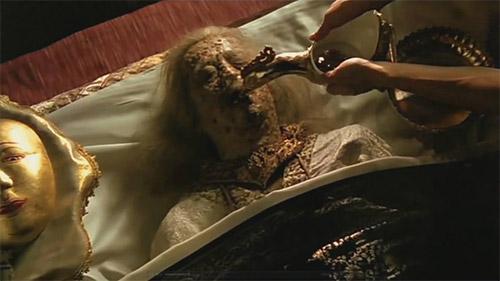 การเลี้ยงพระศพในอดีตที่ยังไม่มีฟอร์มาลีน