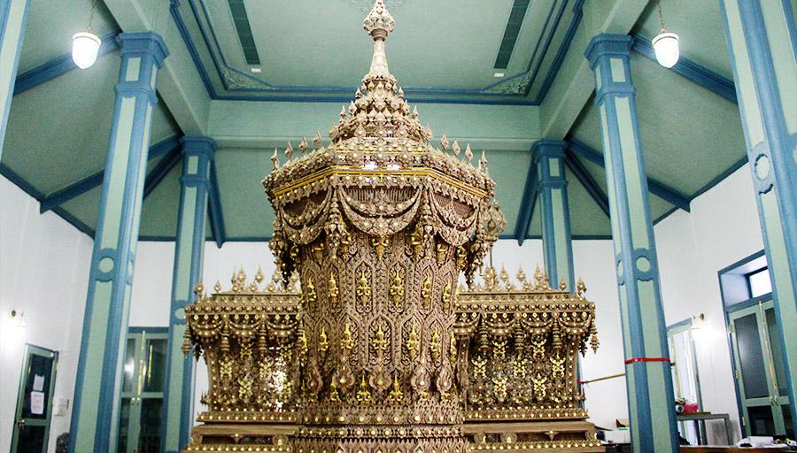 พระราชพิธีถวายพระเพลิง ร.9 พระโกศ พระโกศพระบรมอัฐิ โบราณราชประเพณี ไม้จันทน์