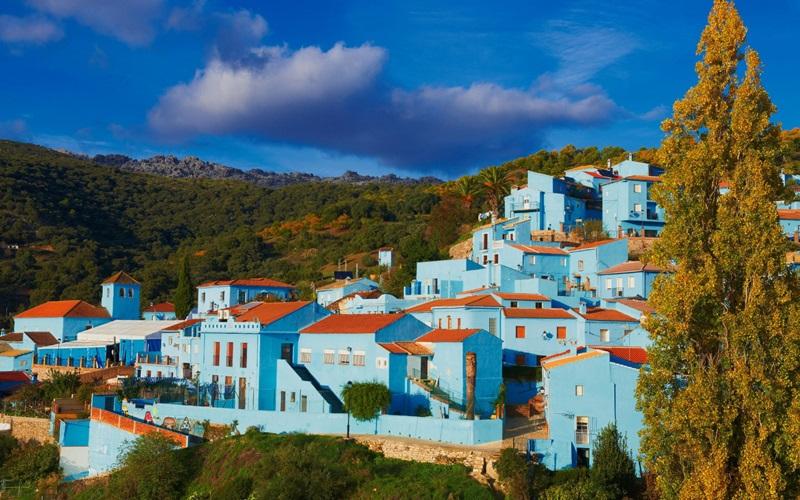 ประเทศสเปน หมู่บ้าน Júzcar หมู่บ้านสีฟ้า