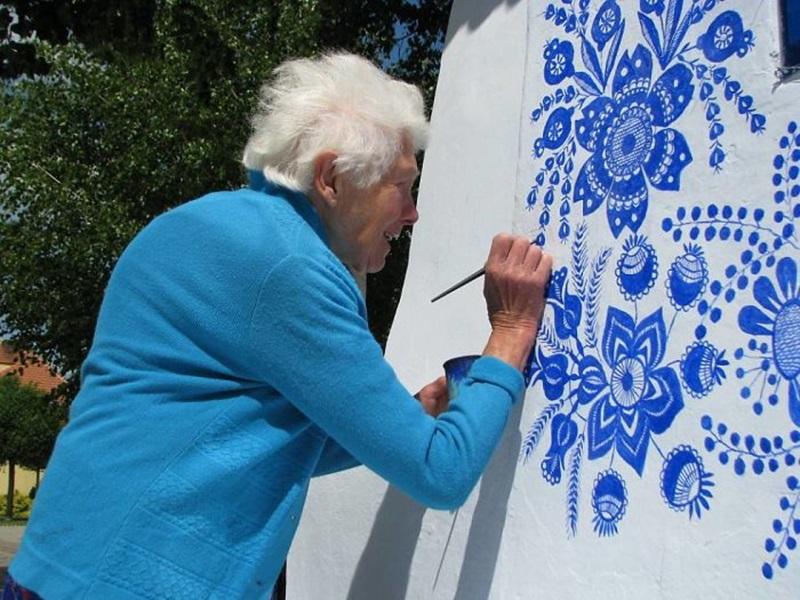 หญิงวัย 90 หอศิลป์ เพนท์