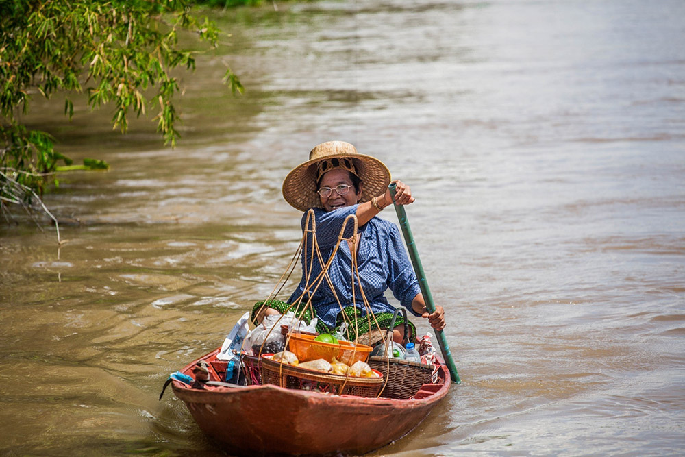 ภาพวิถีชาวบ้านริมฝั่งแม่น้ำชี