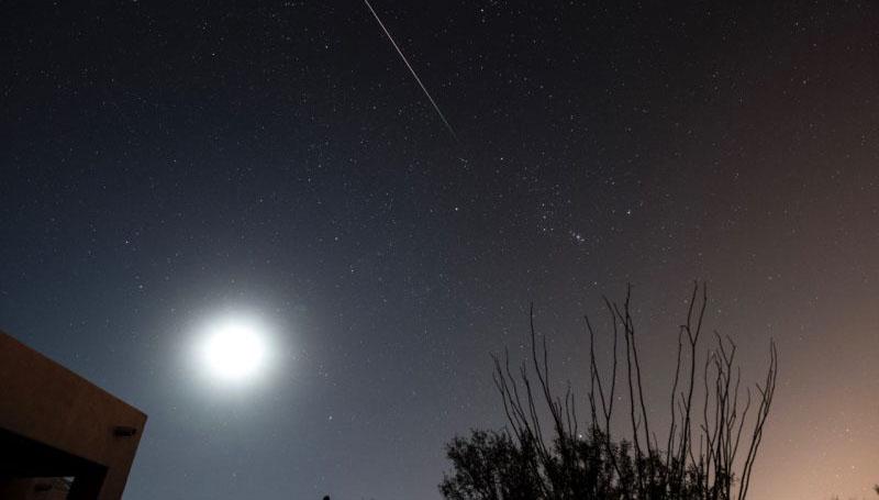 ภาพถ่าย ฝนดาวตกลีโอนิดส์