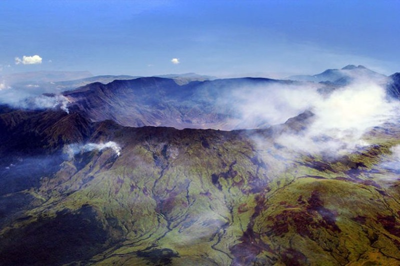ภูเขา ภูเขาไฟระเบิด