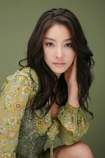 จางจายอน นักแสดงสาวจากซีรีส์ F4