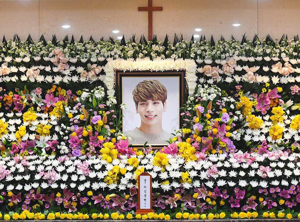 SHINee งานศพ จงฮยอนSHINee พิธีศพ เกาหลี เกาหลีใต้