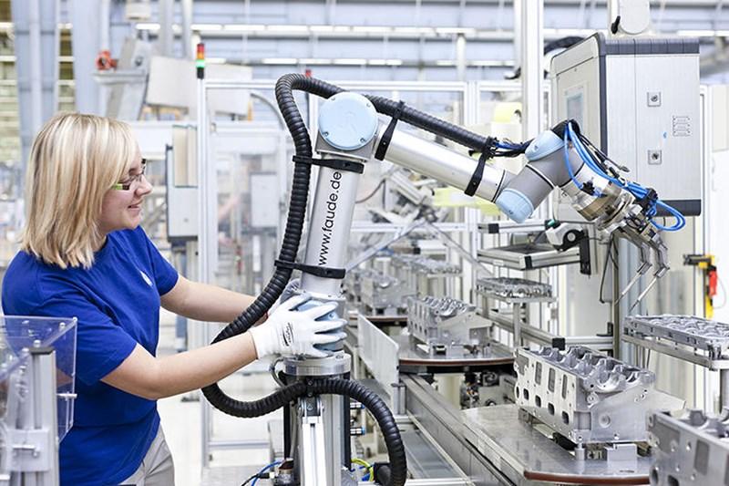 หุ่นยนต์ อาชีพ อุตสาหกรรม เทคโนโลยี