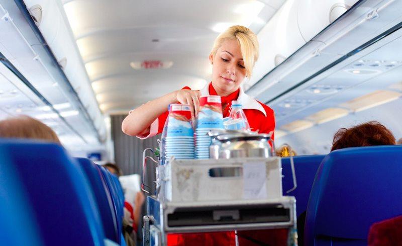 พนักงานต้อนรับบนเครื่องบิน สายการบิน เครื่องบิน แอร์โฮสเตส