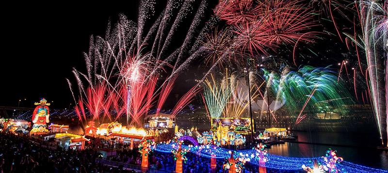 งานเทศกาลโคมไฟ 'River Hong Bao 2018'