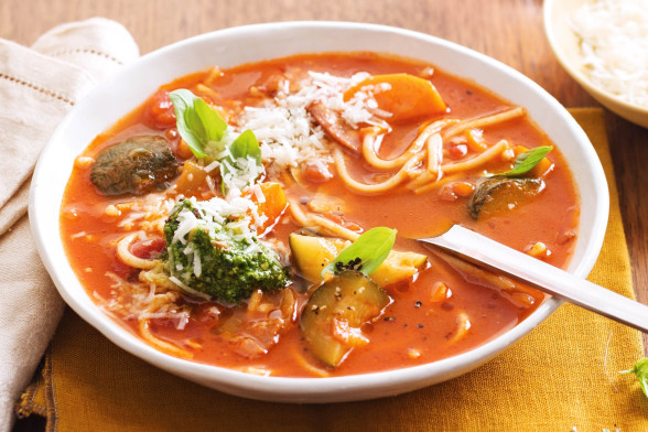broken-spaghetti-and-pancetta-soup