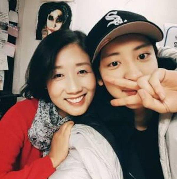 ชานยอล วง EXO และ คุณแม่