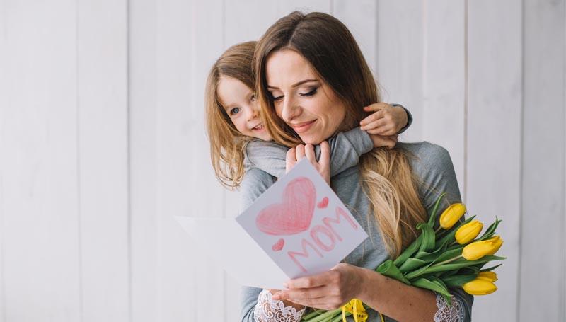 12 สิงหาคม ของขวัญวันแม่ ดอกไม้วันแม่ วันแม่