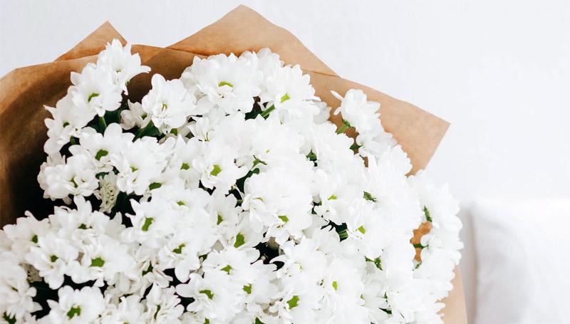 ช่อดอกไม้สักช่อ