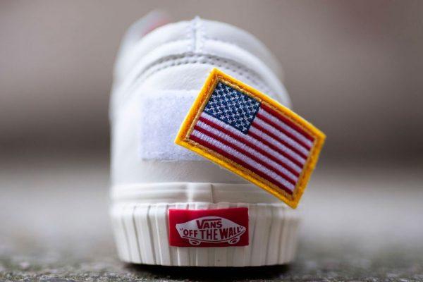 รองเท้า Vans x NASA