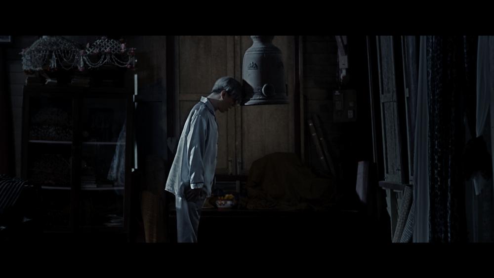 """เอม-ตามใจตุ๊ด โดนผู้กำกับจับแขวนคอ!! จากภาพยนต์เรื่อง """"พี่นาค"""""""