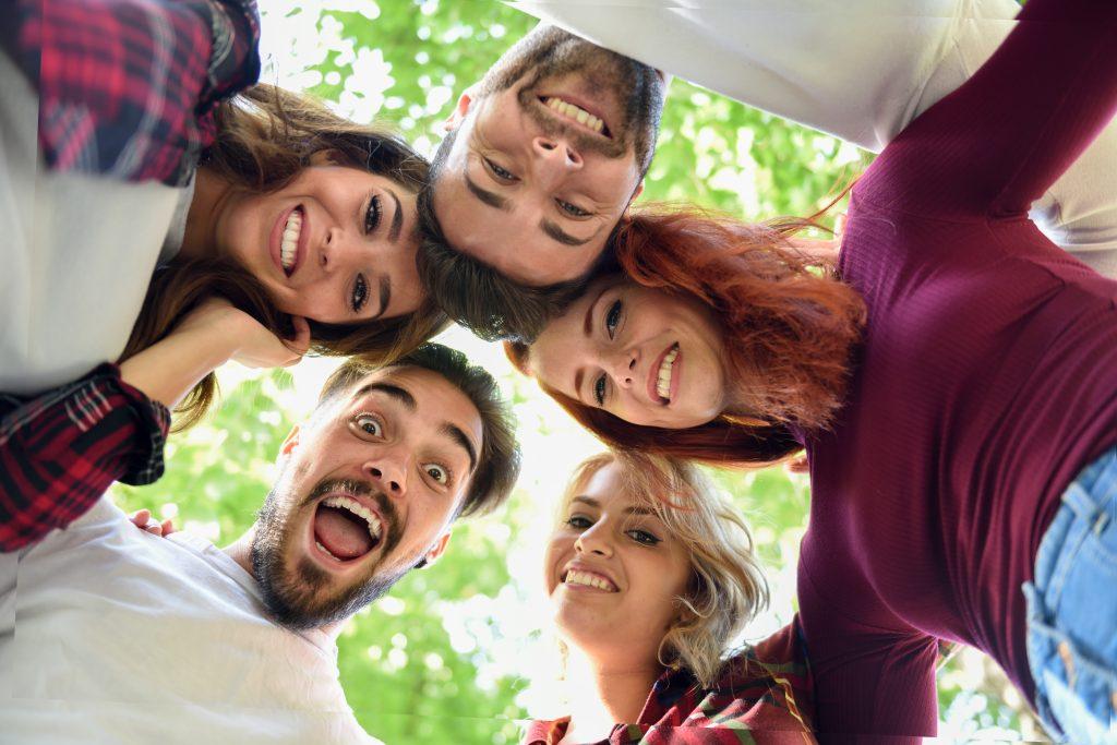 งานวิจัยเผยการเลือกคบเพื่อนที่ดี มีผลต่อสมองด้วย