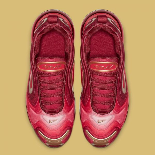 NIKE AIR MAX 720 IRONMAN