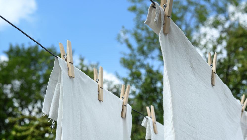 คราบเหลือง วิธีขจัดคราบ เสื้อผ้า