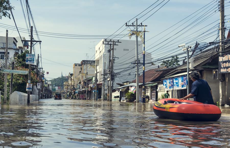 น้ำท่วม น้ำป่าไหลหลาก วิธีเอาตัวรอด อุทกภัย