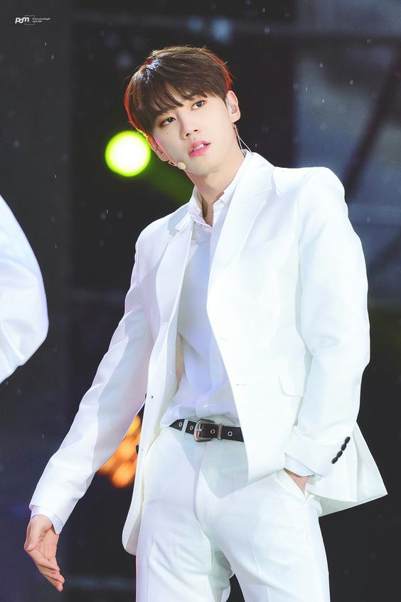 อี จุนยอง (Lee Jun Young)