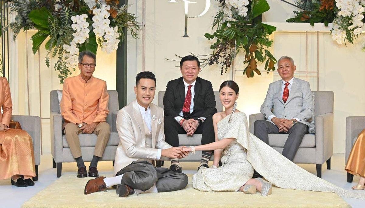 ชุดแต่งงาน ชุดไทย